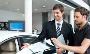 Особенности продажи автомобиля юридическим лицом физическому в 2021 году